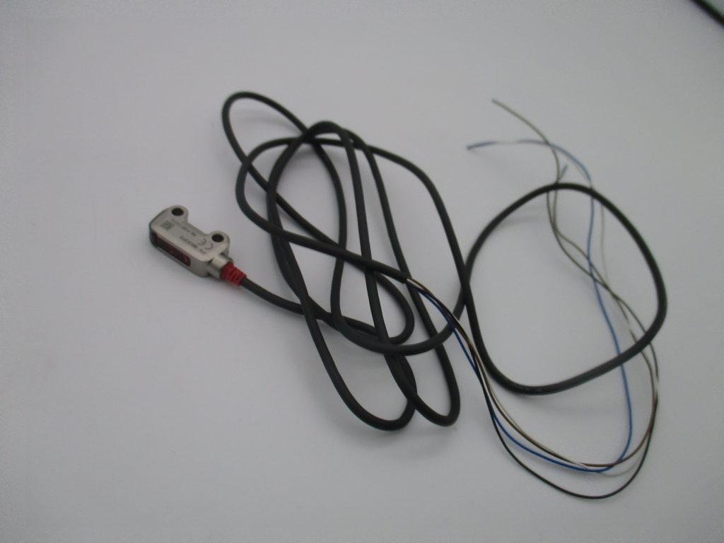 アンプ内臓型反射型光電センサ(PNP) - [PR-MB30P3(5個)]イメージ