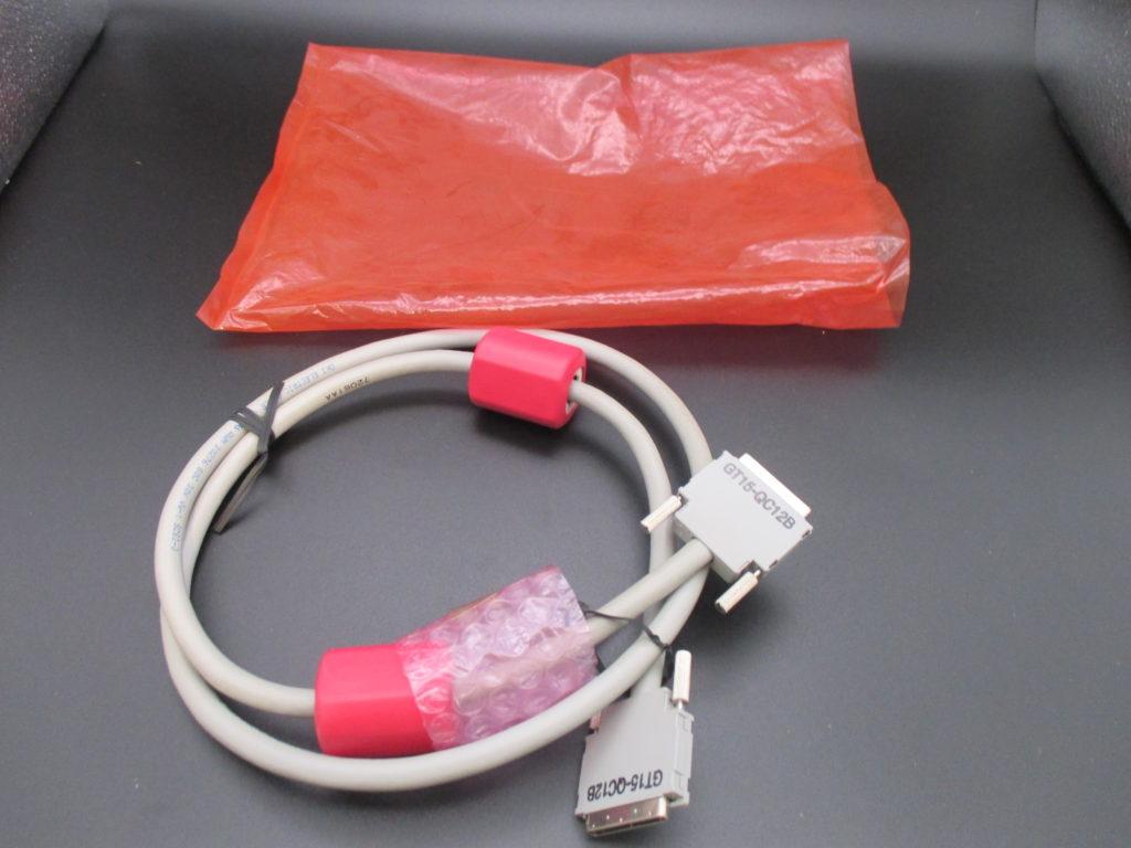 QCPU(Qモード)用バス接続ケーブル - [GT15-QC12B]詳細イメージ
