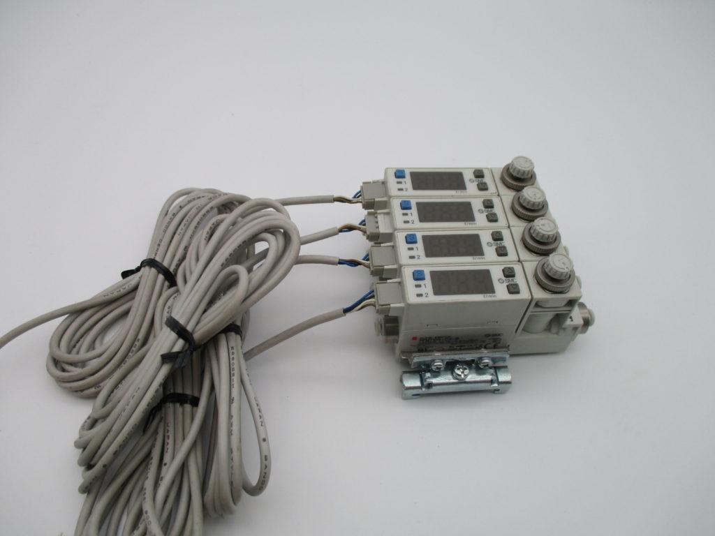 フローコントローラー - [PFM710S-C4-B(1セット・4連)]イメージ