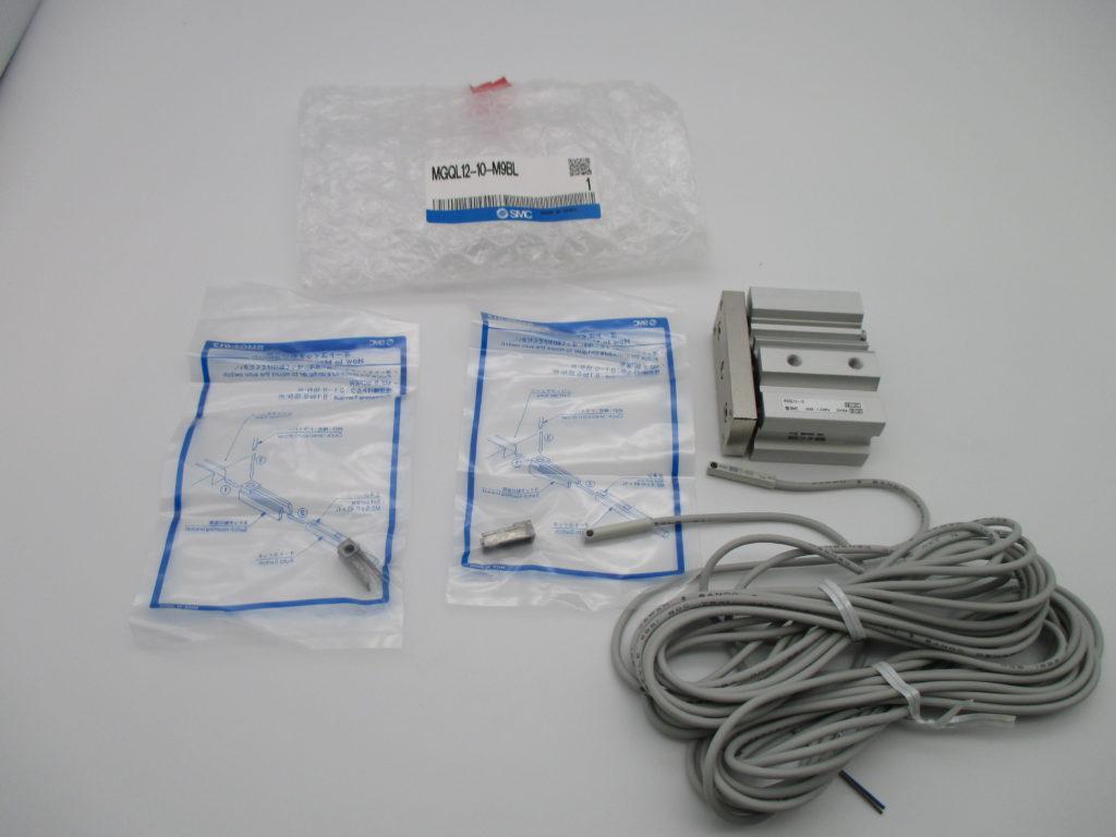 ガイド付薄型シリンダー - [MGQL12-10-M9BL]イメージ