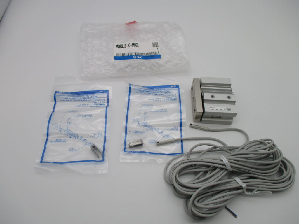 ガイド付薄型シリンダ - [MGQL12-10-M9BL]イメージ